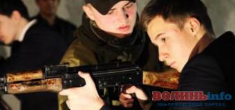 Луцький депутат вважає, що в кожній школі має бути зброя