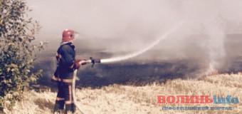 Під Луцьком – страшна пожежа. ФОТО