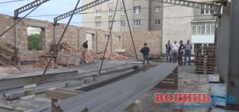 У Луцьку на проспекті Молоді таки припинили незаконне будівництво