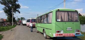 """Працівники """"Автодору"""" заблокували найбільші волинські дороги"""