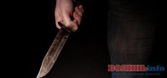 На Волині п'яний вітчим накинувся з ножем на пасинка