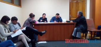 На Волині виборчі комісії не поспішають затверджувати текст виборчих бюлетенів