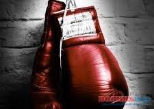 Британський боксер відмовився від титула заради українця