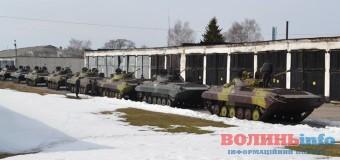 Волинські школярі на екскурсії їздять у…військові частини