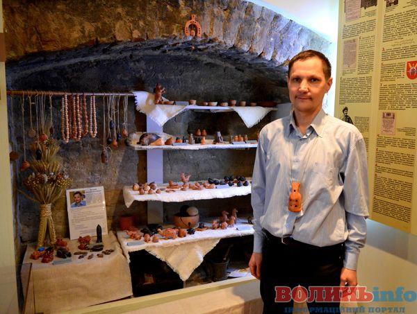 Виставка свищиків Анатолія Філозофа у Музеї луцького братства