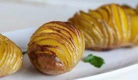 Запечена картопля з часником