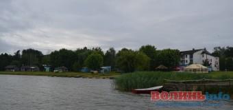 Луцькі патрульні охороняють Шацькі озера