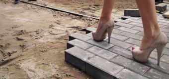 Жителі Соборності мають лише єдину доріжку до свого будинку і ту без ремонту