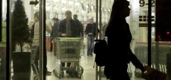 У білоруському торговому центрі чоловік напав на людей з бензопилою