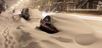 Протягом доби українські рятувальники вивільнили зі снігових заметів більше тисячі автівок