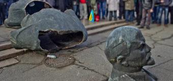 В Україні за рік знесли більше тисячі пам'ятників Леніну