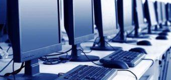 Завдяки прокурорам волинські школярі отримали комп′ютери