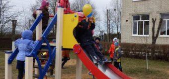 На території Прибужжя облаштували майже 80 майданчиків для дітей. ФОТО