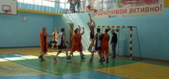 У Нововолинську відбувся фестиваль з баскетболу серед ветеранів. ФОТО