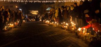 Великодня ніч у Свято-Троїцькому соборі Луцька. Фоторепортаж