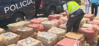 Мексиканські копи виловили в океані більше тонни кокаїну