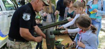 На Волині поліцейські долучилися до інтерактивного заходу для дітей. ФОТО