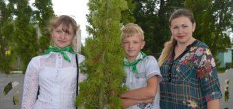У селі на Волині школярі та представники влади висадили парк. ФОТО