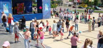 У Луцьку відбувся фестиваль «Моє веселкове дитинство» . ФОТО