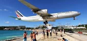 На острові Сен-Мартен літак насмерть здув туристку