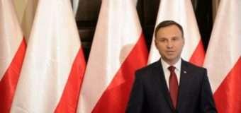 Президент Польщі підписав закон про знесення комуністичних пам'ятників
