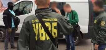 На Волині викрили групу осіб, які перед «Ягодином» вимагали кошти за проїзд авто поза чергою