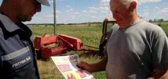 Волинські рятувальники навчали аграріїв правил пожежної безпеки. ФОТО