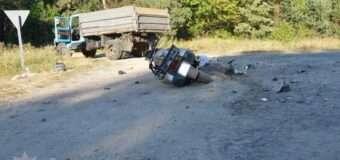 На Волині мотоцикл врізався у вантажівку, двоє людей загинуло. ФОТО