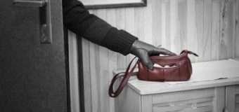 З будинку волинянки зловмисник викрав жіночу сумочку з грішми