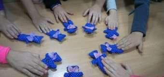 У Луцьку дітей переселенців та учасників АТО вчили виготовляти іграшки