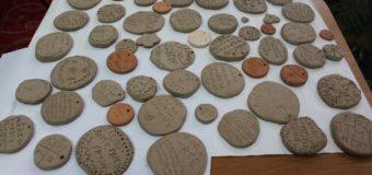 У Луцьку до Дня української писемності та мови школярі писали на глиняних табличках. ФОТО