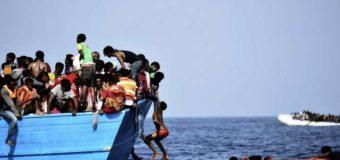 Біля узбережжя Іспанії за добу врятували 600 мігрантів з Африки