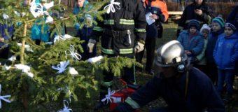 У Луцьку дітей навчали, як запобігти пожежам під час новорічних свят. ФОТО