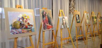 Молода художниця з Луцька показала «Політ у колір». ФОТО