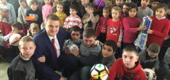 На Волині діти з реабілітаційного центру та школи-інтернату отримали подарунки до Дня святого Миколая
