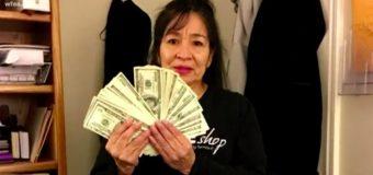 Жінка віддала в секонд-хенд пальто в кишені якого було понад 17 тисяч доларів!