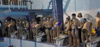 У Луцьку відбулося новорічне водно-спортивне свято для юних плавців. ФОТО