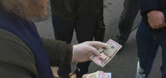 На Волині затримали брокера при одержанні хабара у розмірі 200 доларів. ФОТО
