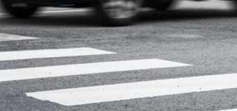 У Луцьку автомобіль на пішохідному переході збив школярку і зник з місця пригоди