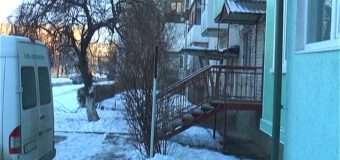 У Луцьку з даху п'ятиповерхівки впав 18-річний хлопець