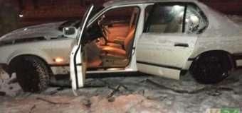 У Луцьку автомобіль занесло на слизькій дорозі й він врізався у паркан. За кермом була вагітна жінка