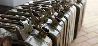 У селі на Волині невідома особа вкрала 25 каністр солярки