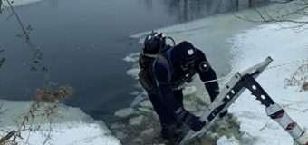 Тривають пошуки підлітка, який провалився під лід на річці у Ковельському районі