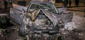 Моторошна ДТП: авто пролетіло 20 метрів і приземлилося в підземці
