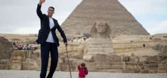 Зустрілися найвищий чоловік і найнижча жінка планети