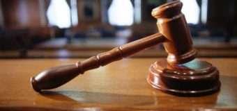 Відбувся суд над чоловіком, який погрожував себе підпалити у Луцькому відділі поліції