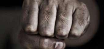 Померла ківерчанка, яку ручним точилом для ножів побив чоловік