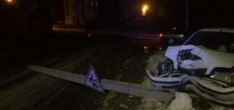 У Луцьку 21-річний водій не вибрав безпечної швидкості і збив електроопору