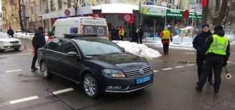 У Києві поліцейський автомобіль, що супроводжував президентський кортеж, збив людину