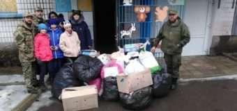 Волинські капелани передали гуманітарну допомогу зібрану грамадами сіл Луцького району на схід